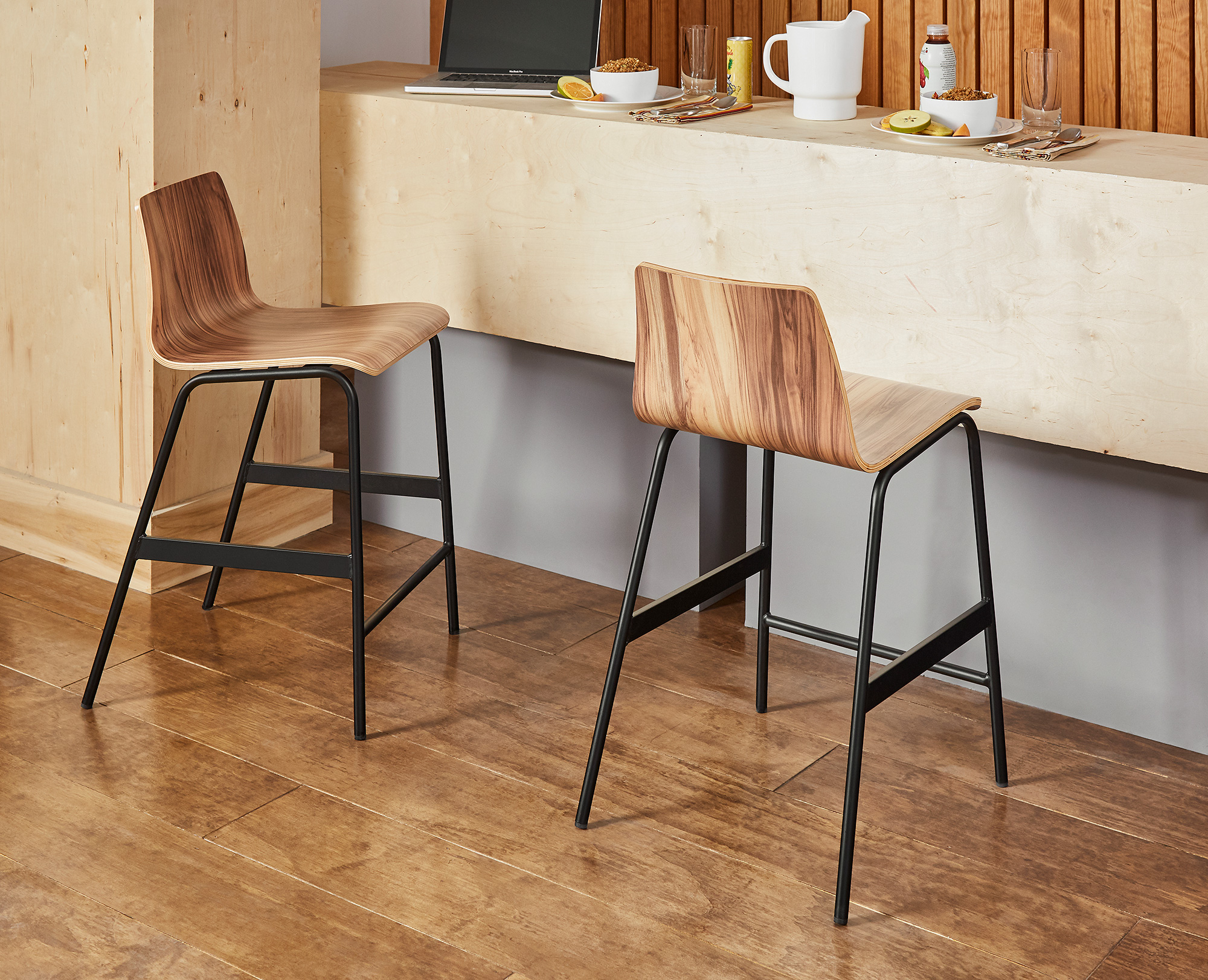 F3 Dmitri dining stool for student living
