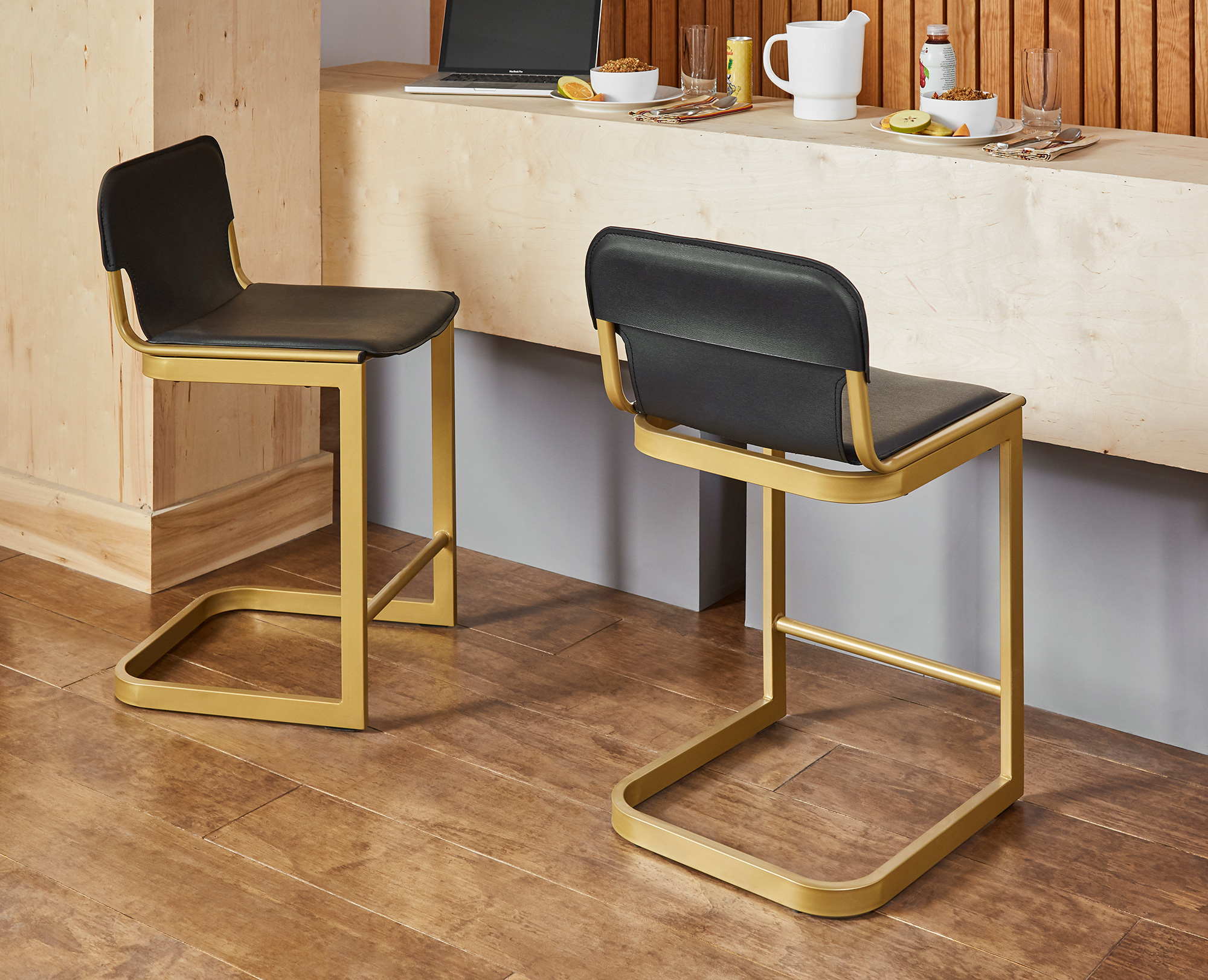 F3 iLive dining stool for student housing